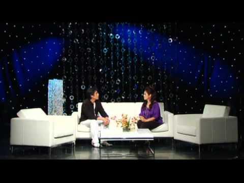 """Lam Thuy Van Show - Chu De """" 2 Dong Mau"""" with Phong Tran Part 1"""