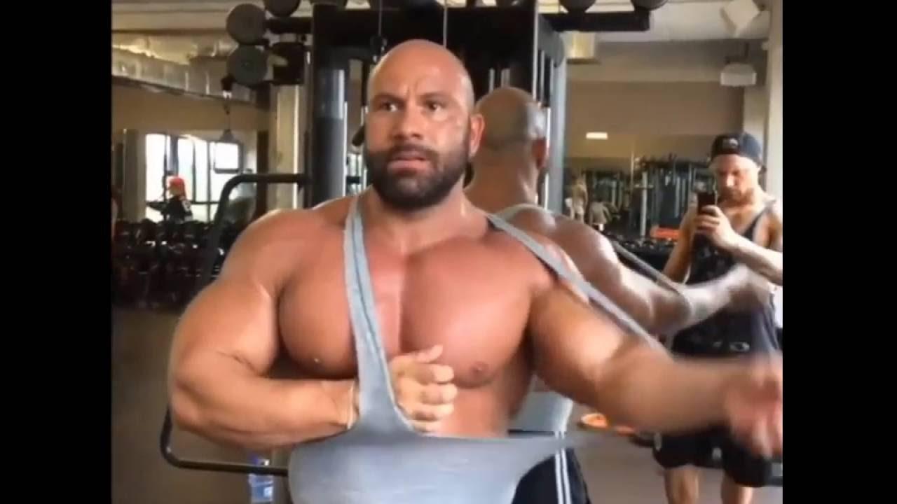 Geile Weiber im Fitnessporno mit Steve Benthin