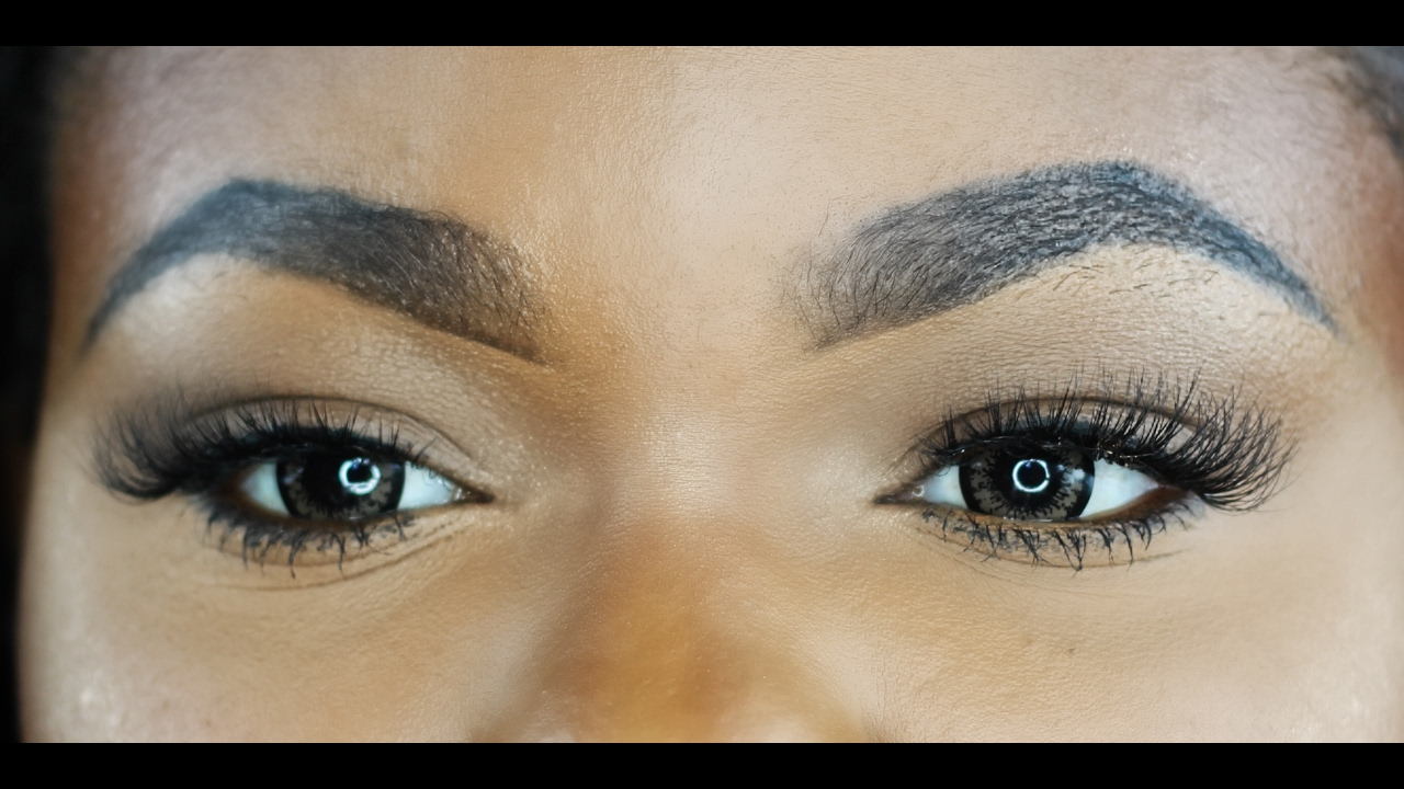 d4449f8c3cd Best trick to apply false lashes for CURLY LASHES & HOODED EYES! Apply  lashes in less than 1 minute
