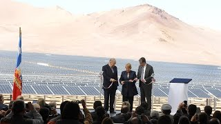 Chile inaugurates the largest photovoltaic plant of Latin America .