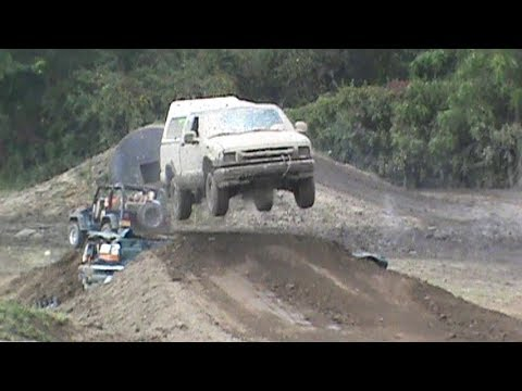 Chevy S10 Jumps Ford Bronco at Frozen Ocean Motorsports