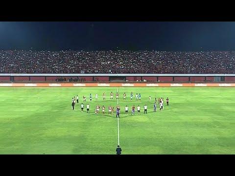 Merinding! Ritual Supporter dan Pemain Bali United Nyanyi Lagu Anthem