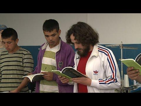 """la-tradicional-feria-""""la-salada""""-vistió-un-libro-de-poesía-alemana,-curado-por-el-instituto-goethe"""