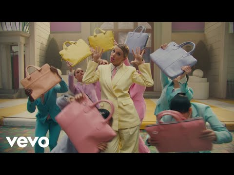 Chris Davis - Taylor Swift & Panic! At the Disco's Brendon Urie - 'Me!' (Official Video)