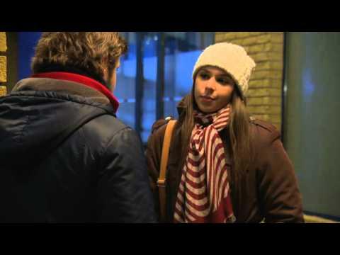 Youtube filmek - Adél telefont ad Bignek - tv2.hu/jobanrosszban