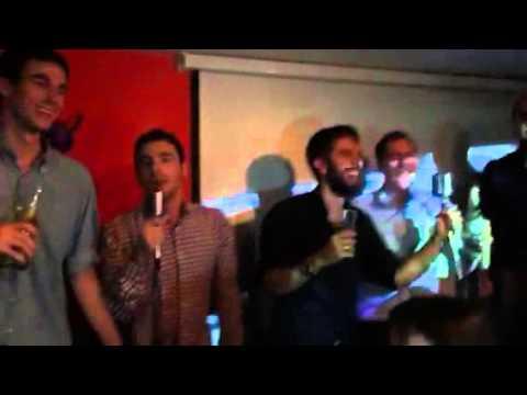 Karaoke al Almodobar amb Between