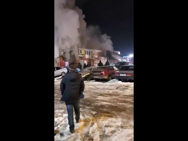 В Самаре ликвидировали пожар в автосервисе