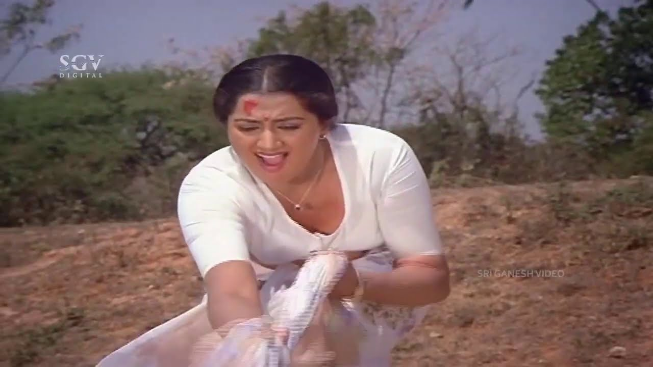 Sumalatha Saves Her Student From Dangerous Manhole   Thayiya Hone Kannada Movie Scene