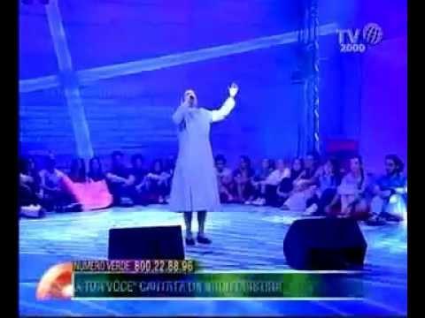 """Suor Cristina Scuccia canta """"Senza la tua voce"""""""