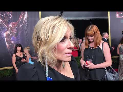Judith Light ('Transparent') exclusive interview on 2017 Emmy Awards red carpet