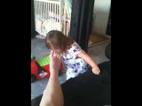 elle lui leche les couilles super nanny salope