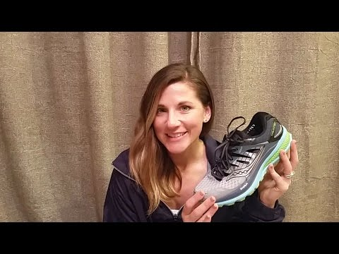 picking-out-the-best-running-shoes-|-fleet-feet-fitting