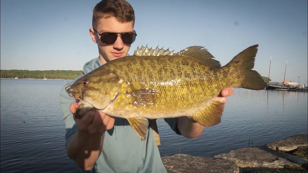 Lake Michigan Smallmouth Bass Fishing W Tubes Youtube