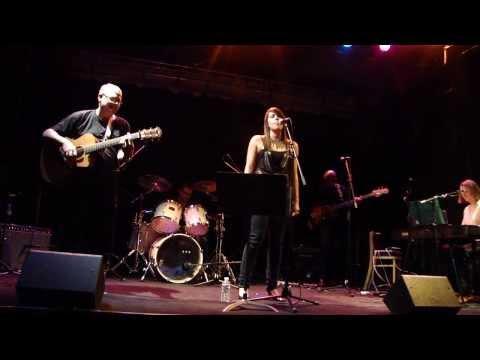 NNEKA Africans cover live PLAYLIST Paris 2013
