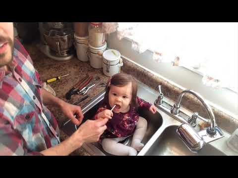 Baby Elisabeth Fixes a Leaky Faucet: Dad & Daughter Workshop Videos ...