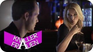 Sexy Bar-Flirt mit Martina