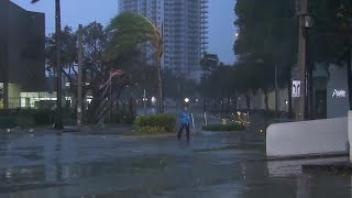 Vicious wind and rain slam Miami as Hurricane Irma approaches