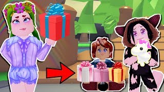 🎁GIFT MANY TOYS TO POOR CHILDREN IN ADOPT ME🤑- ROBLOX