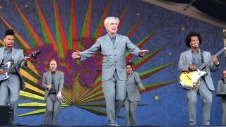 """David Byrne 4/29/18 """"This Must Be The Place"""" at Jazz Fest weekend 1 in New Orleans"""