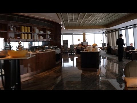 Ritz-Carlton Hong Kong Grand Deluxe Victoria Harbor Suite - Luscious Club Lounge