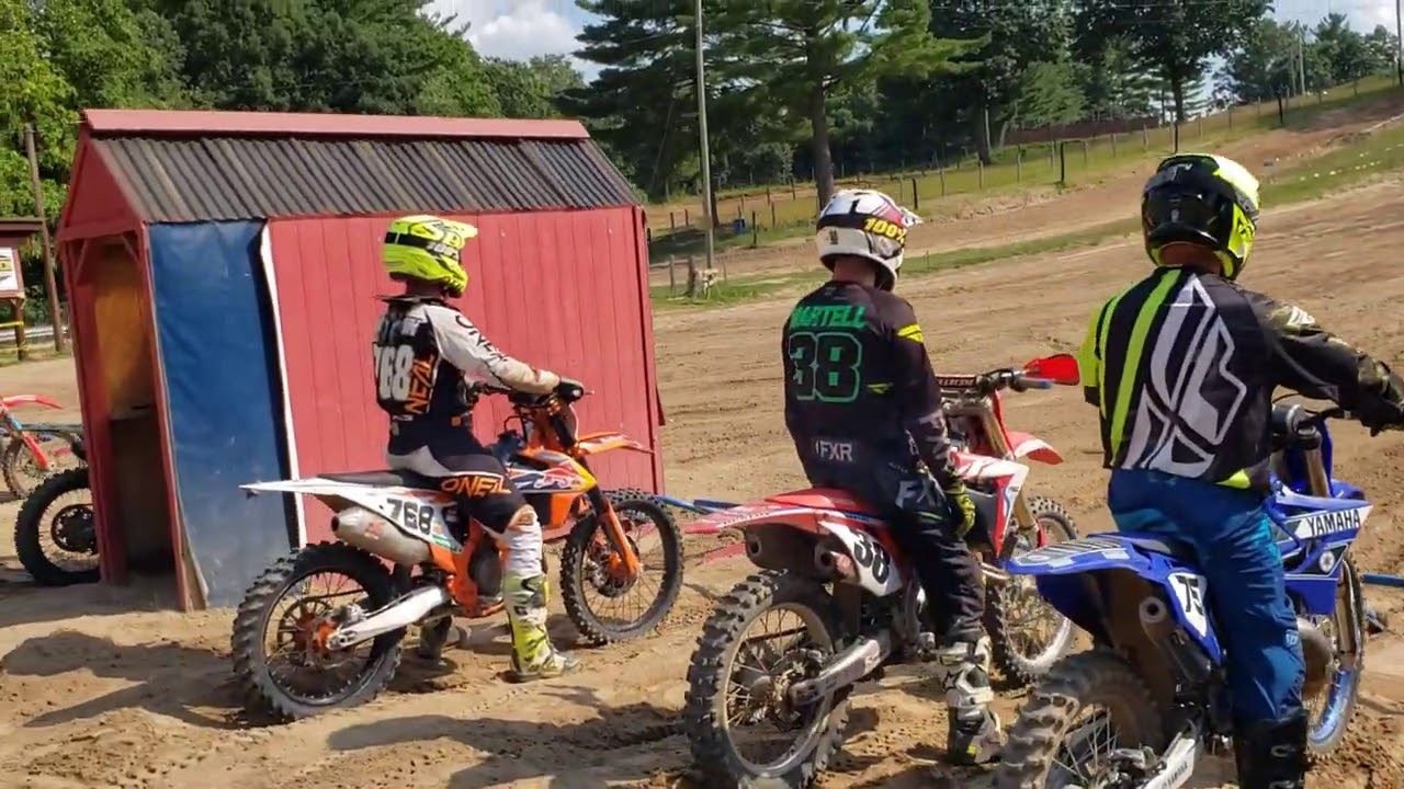 72 YEAR OLD VETERAN RACING MOTOCROSS IN 60+ CLASS AT SOUTHWICK NATIONAL TRACK WITH TOP VET PRO'S