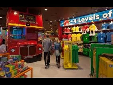 M&M's World Amazing Candy Store London Views. 🚌 🍭