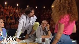 "Flirting Contestant Seduces Male Judge With Justin Bieber ""Boyfriend"" Cover! 