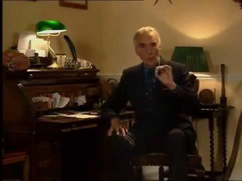Christopher Lee on Bela Lugosi, Dracula and Hammer scripting