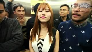 Cô gái thật xấu hổ trong thang máy