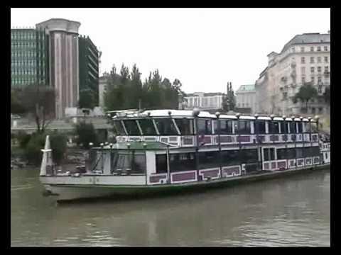 Schiffe im Donaukanal - YouTube