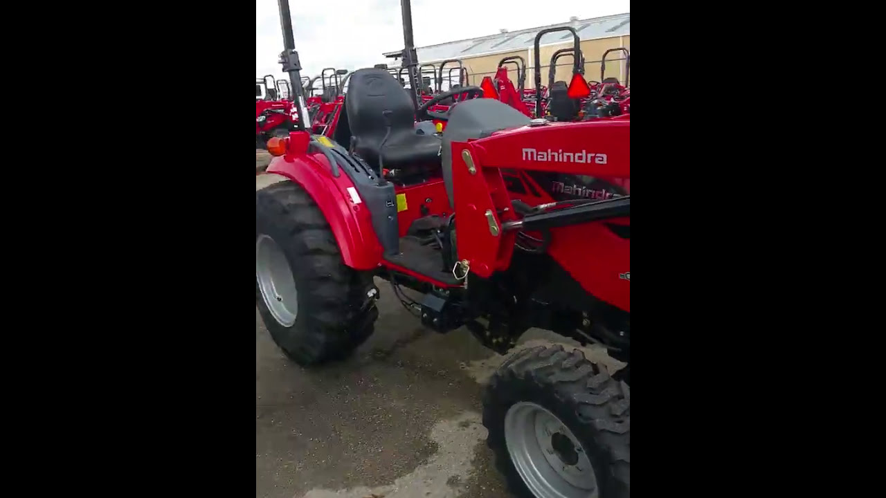 Quick walk around on the Mahindra 1538 HST 4w/d tractor with loader