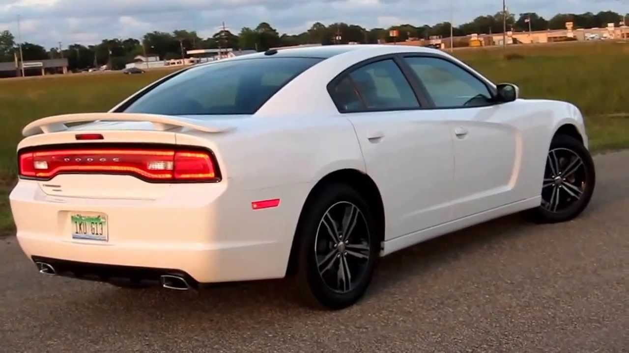in wheel time looks at the 2013 dodge charger sxt awd - Dodge Charger 2013 White Black Rims