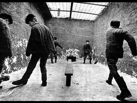 Как в советских тюрьмах гнобили петухов и опущенных