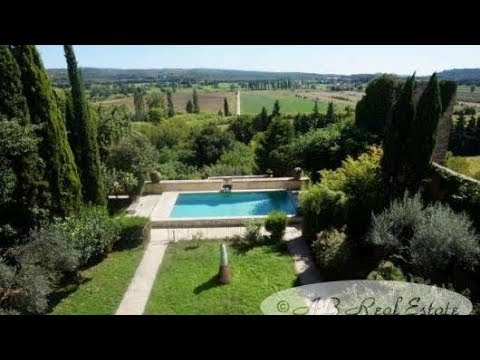 Prestigious Medieval Castle 12th/13th C. For Sale in Aix-en-Provence area