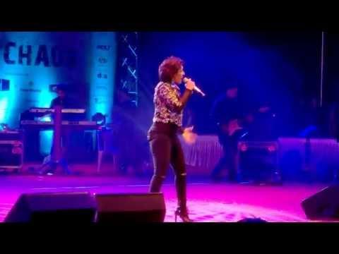Aa zara- Sunidhi Chauhan live at IIM Ahmedabad