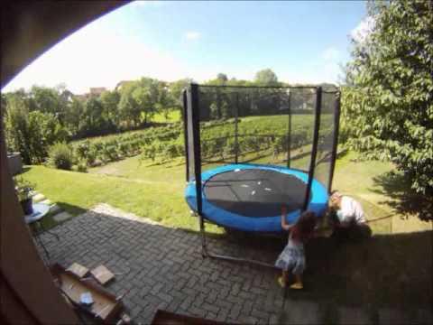 montage trampoline 244cm