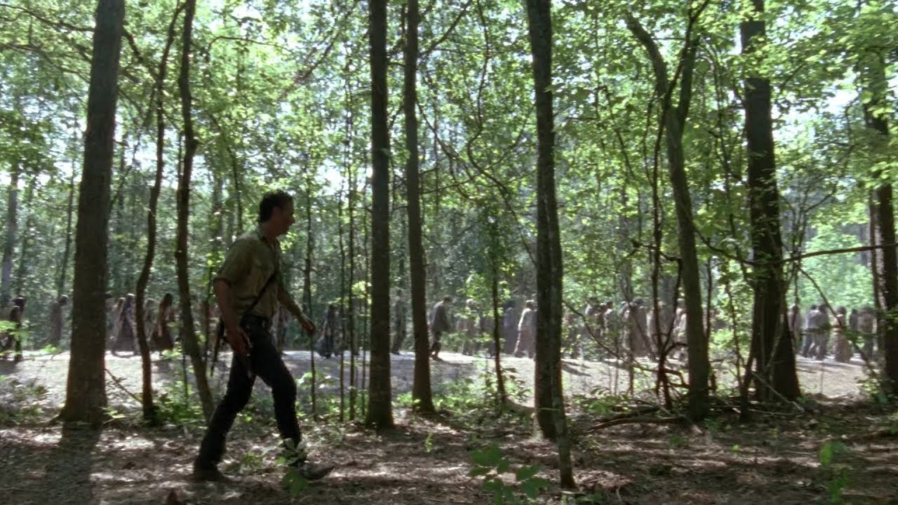 Download TWD S6E1 - A horn distracts the Walker herd | Ending