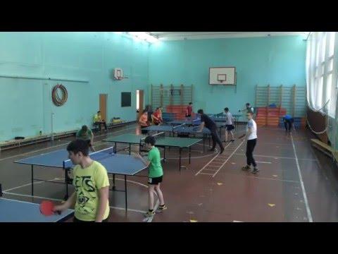 Крутой теннис в школе)