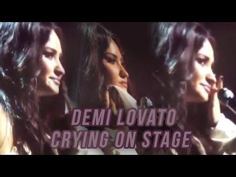 Demi Lovato CRIES ON STAGE on her