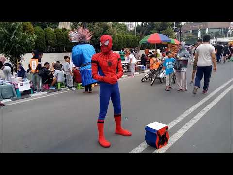 ROBOT  DI CAR FREE DAY JAKARTA 24 SEPTEMBER 2017