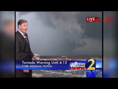 Tower cam captures tornado near Downtown Atlanta (2008)