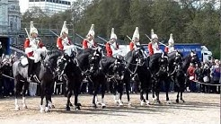 Wachablösung in London der Horse Guards, täglich um 11.00 Uhr