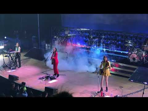 HAIM - I Want You Back - Live from Massey Hall