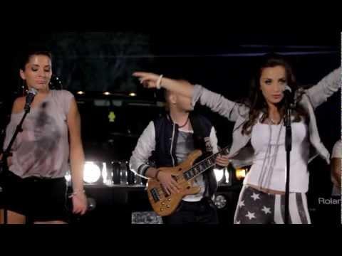 Maya Berovi - Djevojka sa juga - (Official Video) HD