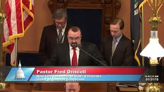 Sen. Casperson welcomes Pastor Driscoll to the Michigan Senate to deliver invocation