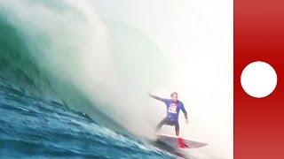 Video: Surfing the most dangerous wave in the world (Sydney