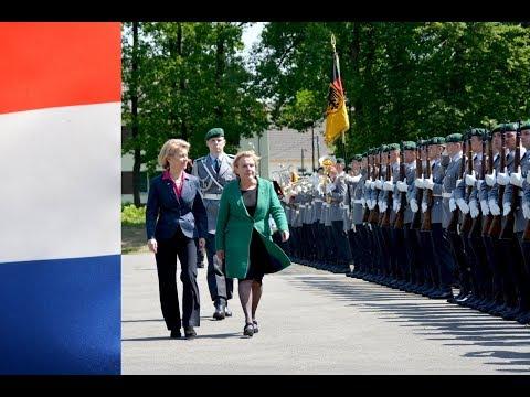 Militärische Ehren - Niederländische Verteidigungsministerin Ank Bijleveld