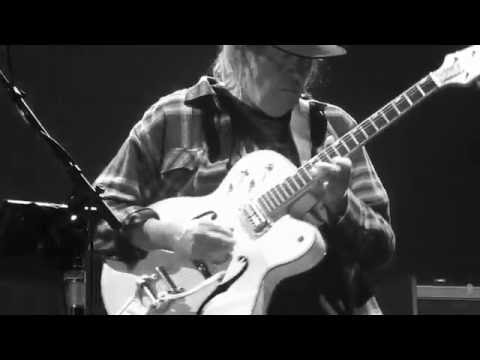 Words (between the lines of age) -  NEIL YOUNG + POTR live@Ziggodome 9-7-2016