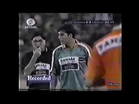 Akshay Kumar -  Football Match (1999)