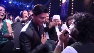 Arjit Singh Gets Shah Rukh Khan On His Knees With His Performance